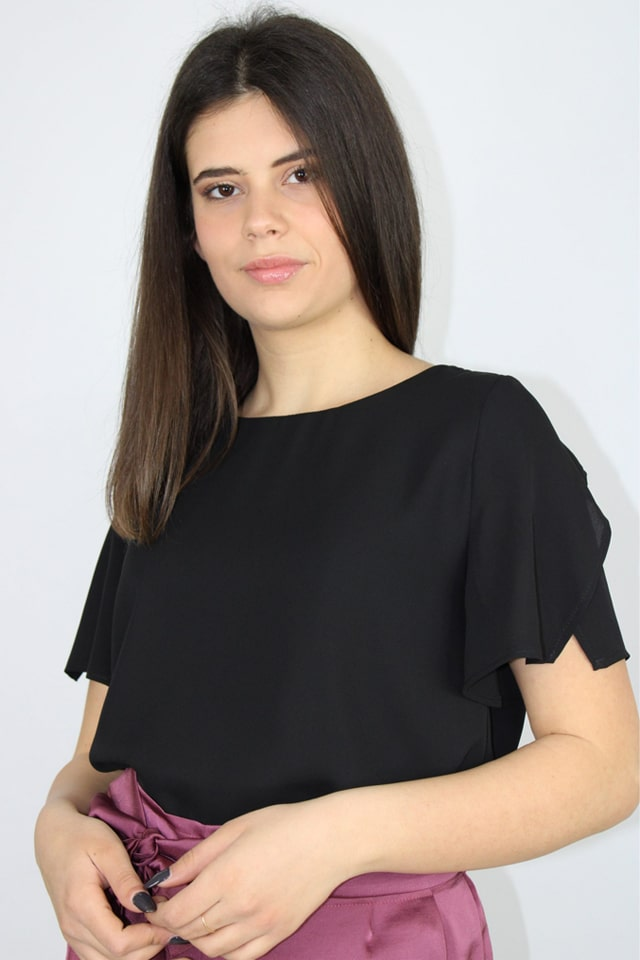 stile-casual-blusa-donna-nero-charme-canaris-lecce-galatina-salento 2